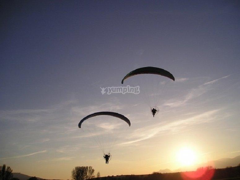 Vuelo en paratrike puesta de sol Guadalix