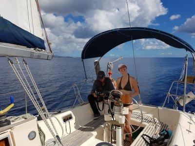 Active Scuba Divers Paseos en Barco