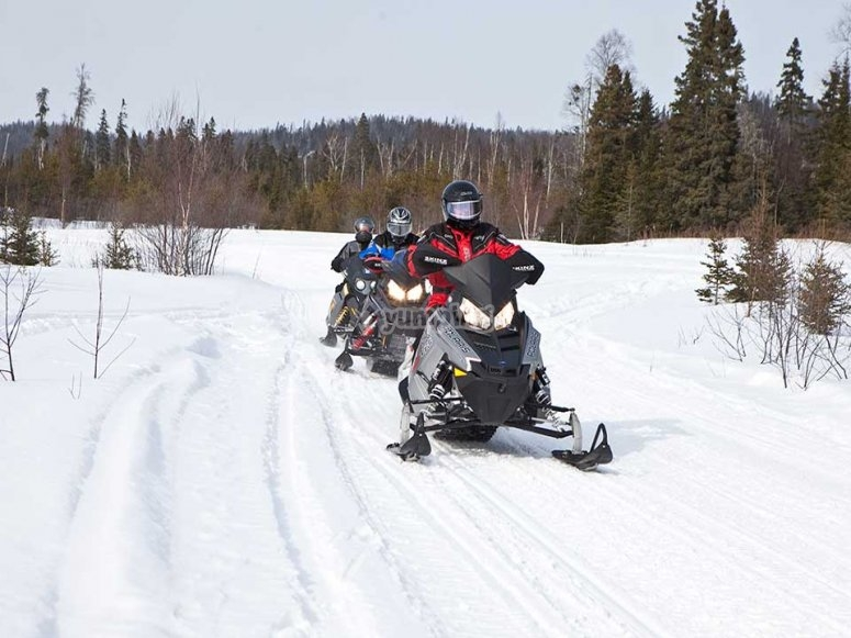 Guided snowmobile route Huesca