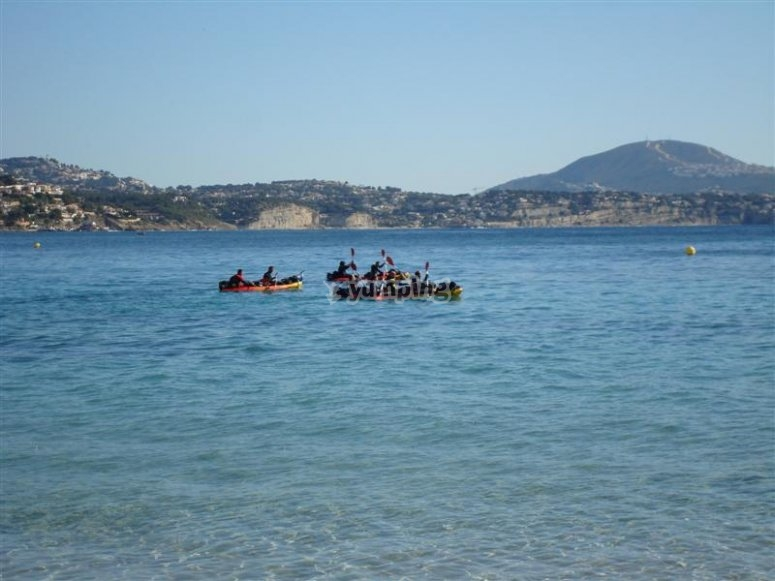 A group paddling in Calp