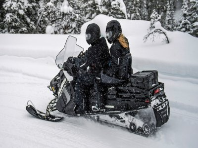 Snowmobile route 2 people in Valle de Tena 90min