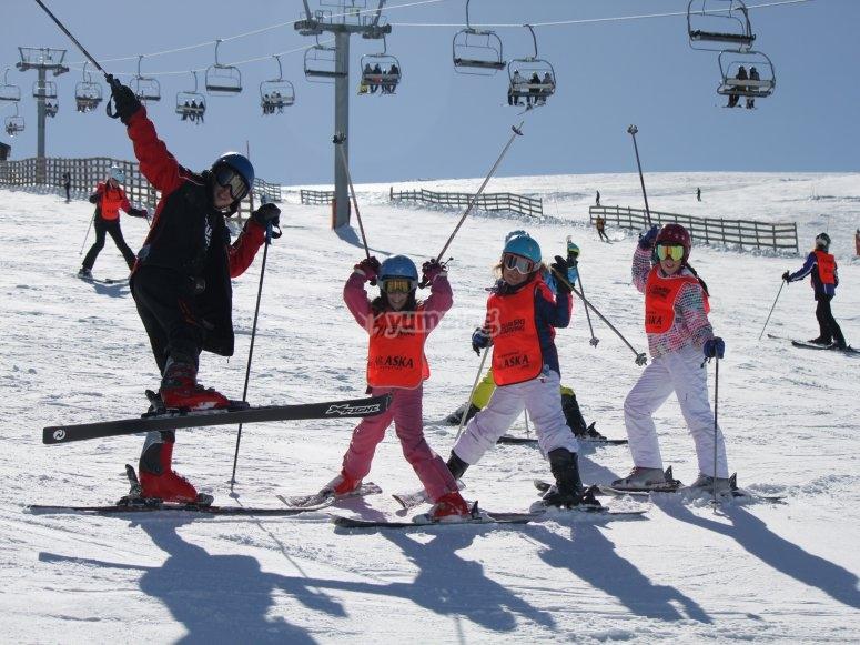 3-hour ski lesson in Madrid