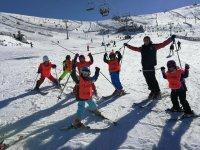 Ski groups of 5 students