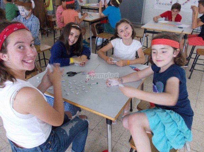 Craft workshops in English