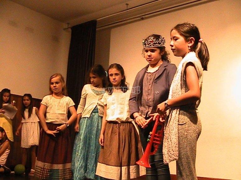 Campamento con actividades de teatro