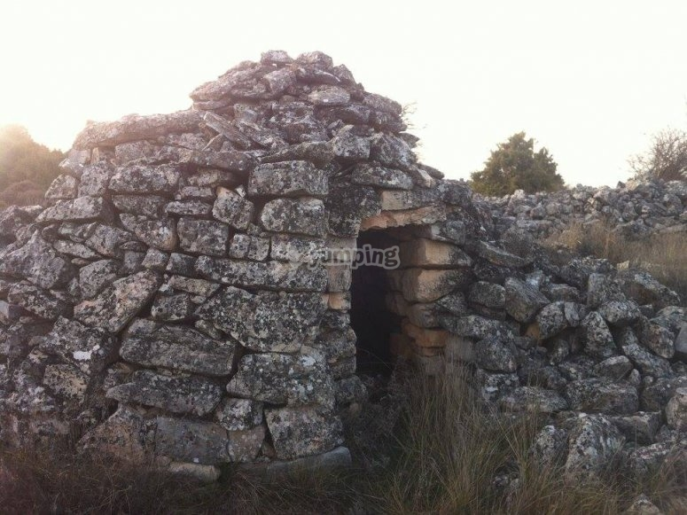 Grass hut in the hill of Lutuero