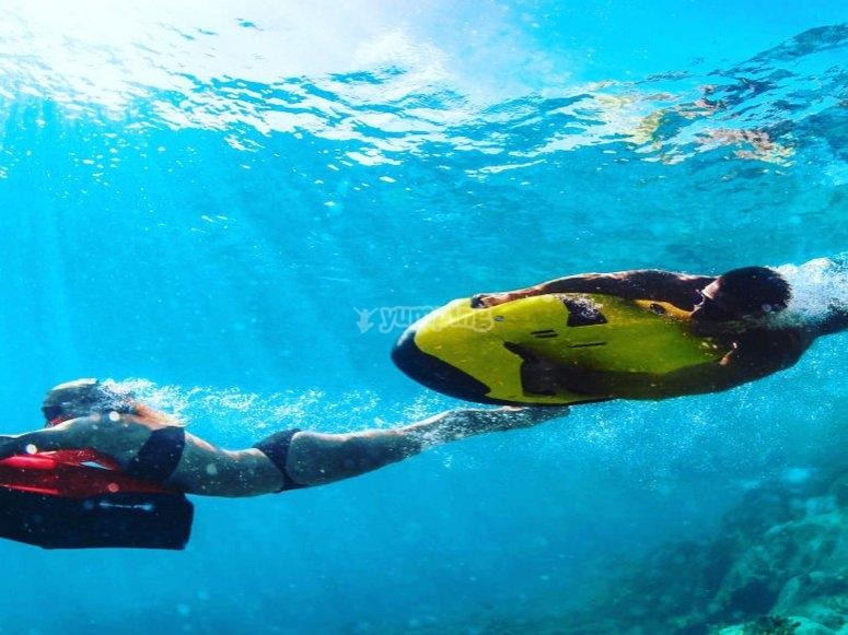Underwater race