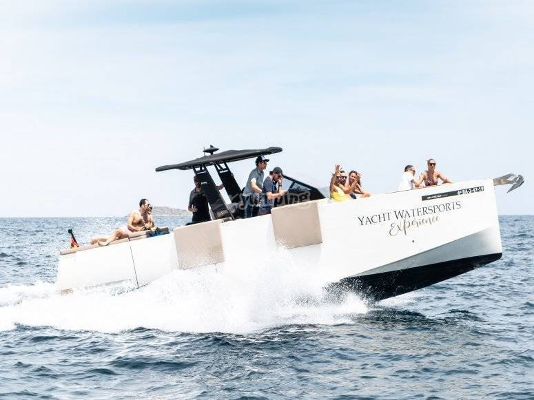 The boat of fun on Ibiza lands
