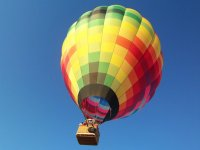 Flying on hot air balloon