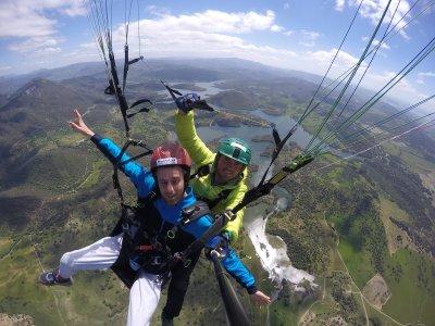 Vuelo acrobático en parapente por El Bosque 30min