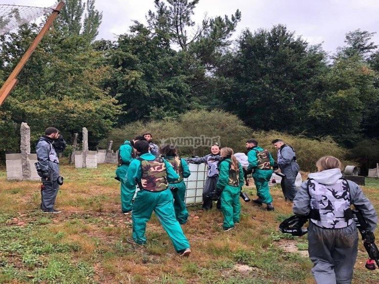 Uscita di gruppo per paintball a Salvaterra de Miño