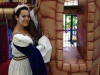 Princesa junto a la torre