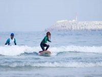 Practicar surf en playa de Sabón