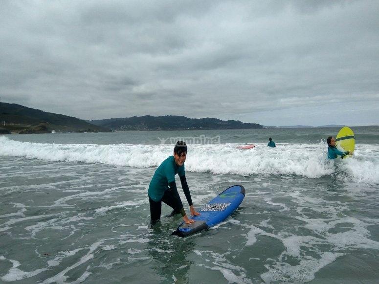Clase de surf para una persona en Sabón