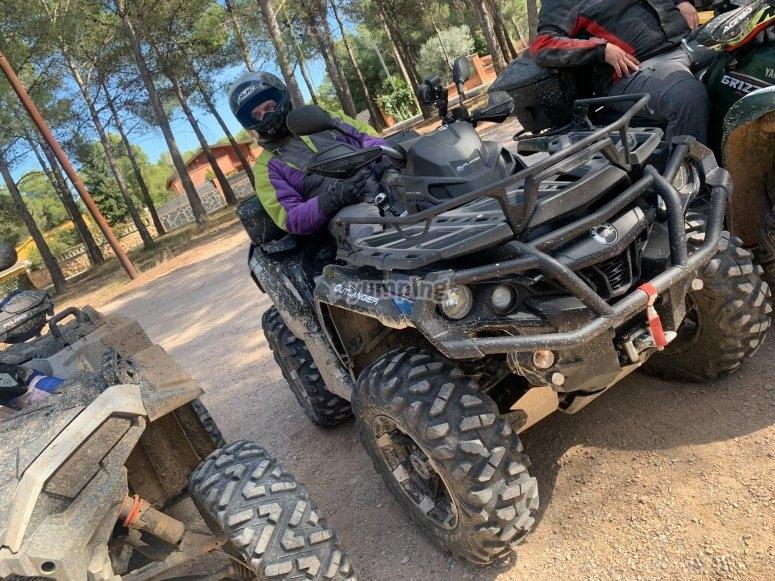 Preparados para la ruta en quad