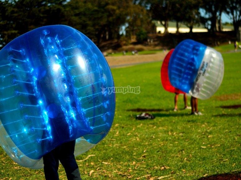 Giocatori di calcio in bolla