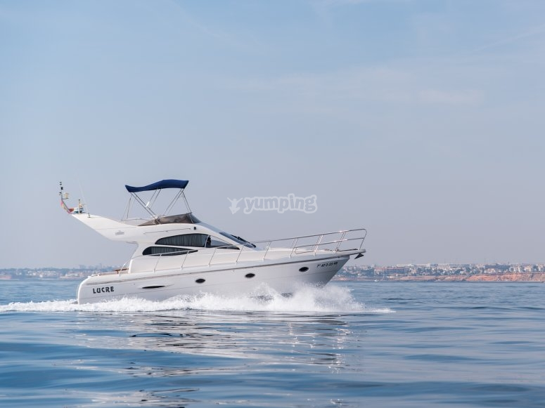 Noleggia la tua barca con skipper a Torrevieja