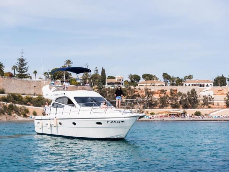 Noleggia il nostro yacht di lusso