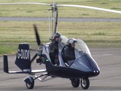 Initiation flight in autogiro 20 min Madrid