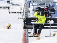 Preparados para una clase de esquí