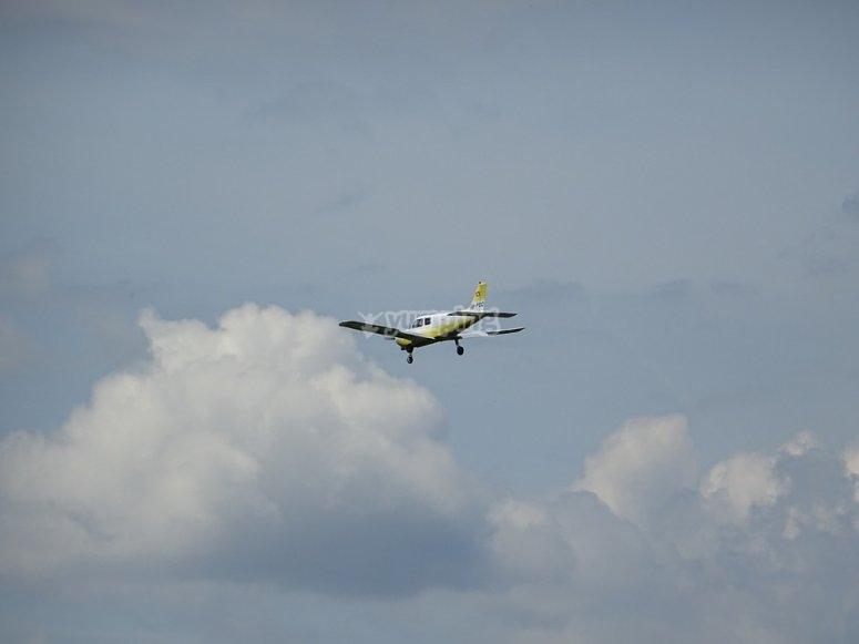 Pilot a plane in Cádiz