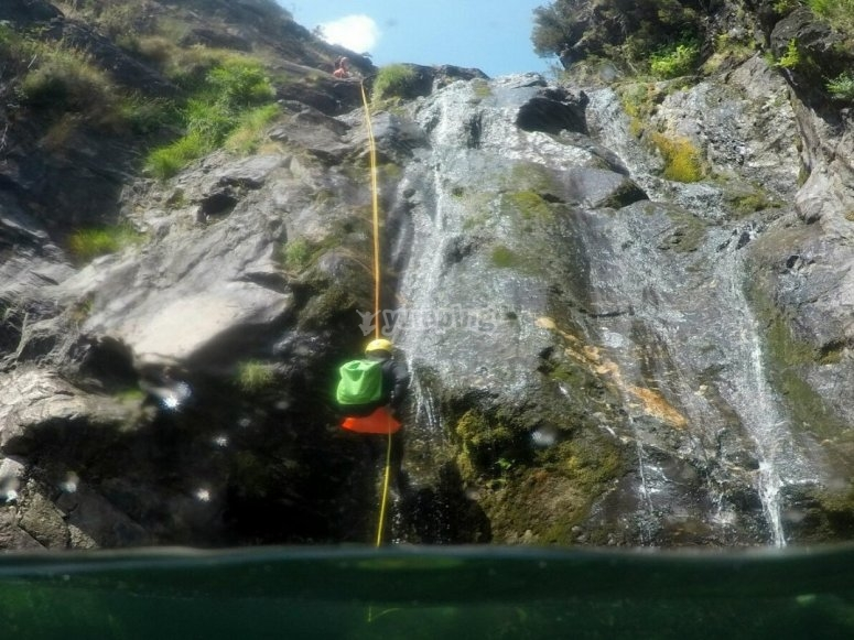 Mid-level Canyoning of the Cerves River