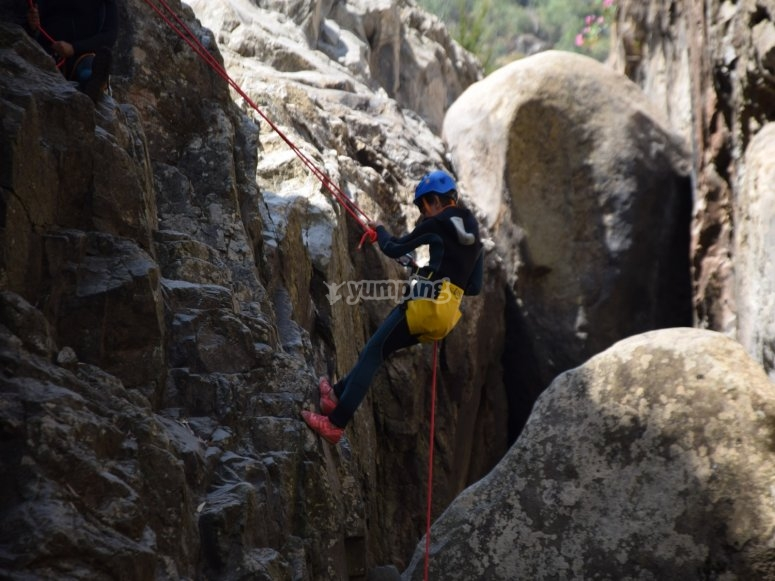Practice rappelling in Calzadillas ravine