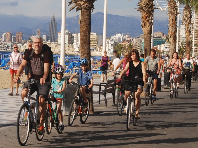 Group departure with bicycle Benidorm