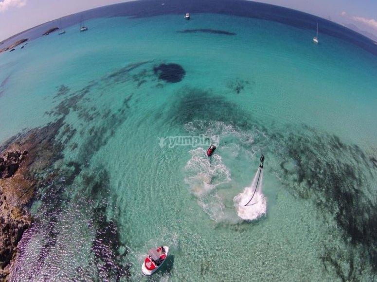 Gita in barca e flyboard a Santa Eulalia