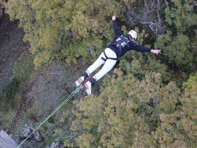 Bungee jumping a Madrid durante la settimana con foto