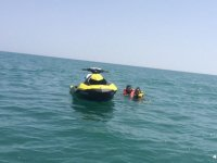 podeis disfrutar de un bano en alta mar