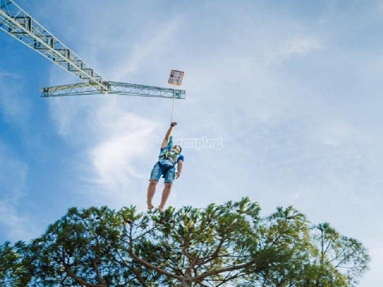Lanzado a 50 metros