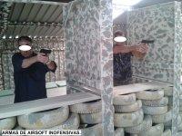 Tiro con airsoft inofensivo armas cortas