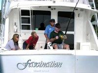 在公海捕鱼