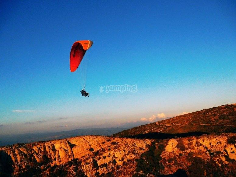 飞越Terradets滑翔伞