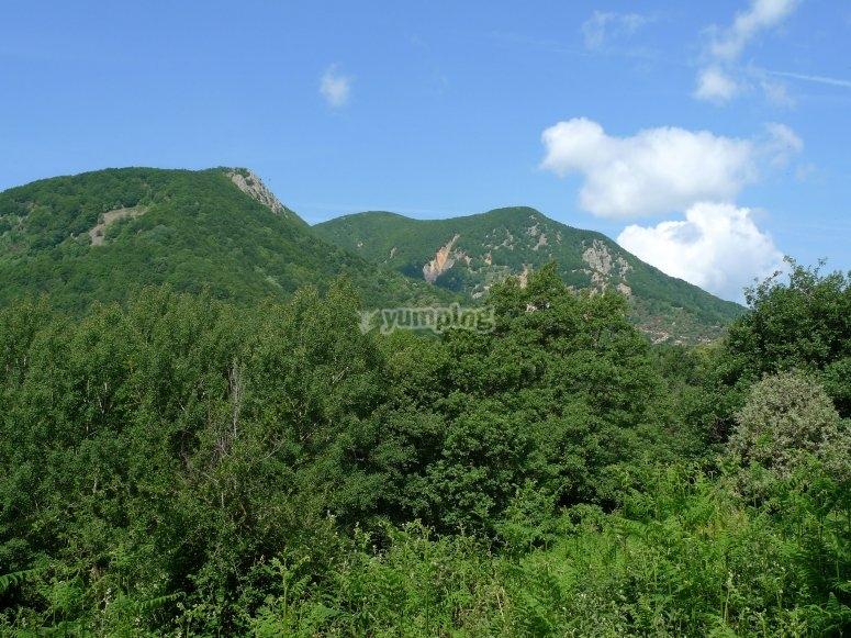 Massif del Montseny在马背上