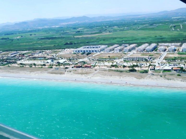 Divisando la costa valenciana desde la avioneta