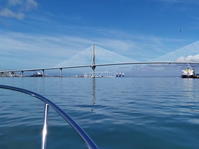 Salir a pescar por bahía de Cádiz