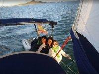 Amigas navegando en Murcia