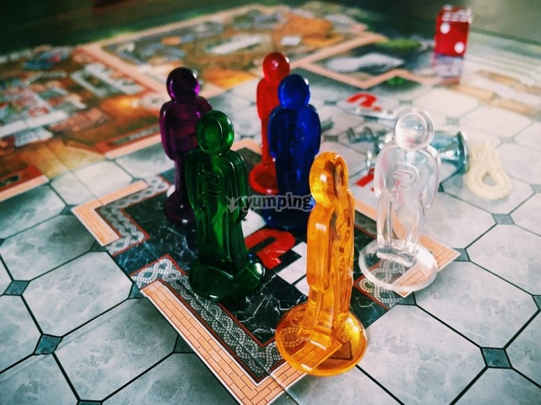 The mythical game Cluedo