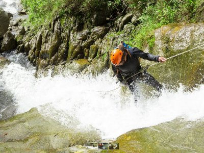 Canyoning initiation in Cuenca 4 hours