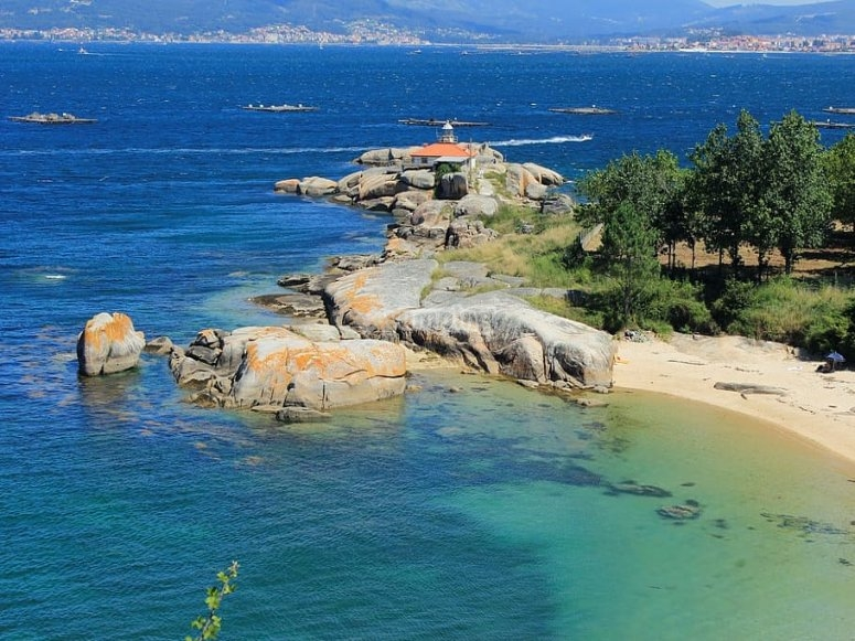 Acque cristalline intorno all'area di Arousa