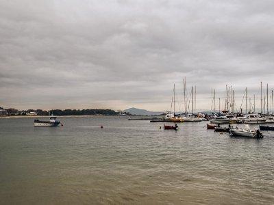 Alquiler barco sin patrón Villagarcía de Arosa 4h
