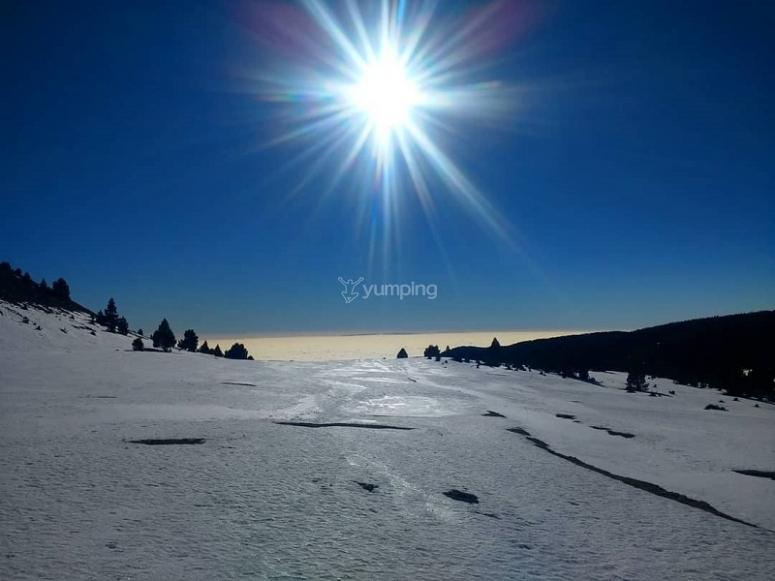 太阳在山中升起