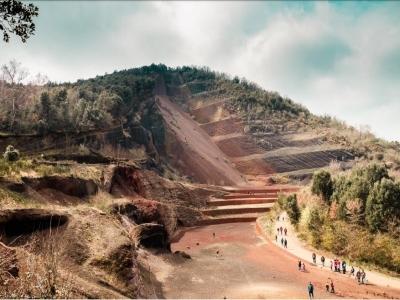 Garrotxa的火山学路线8小时