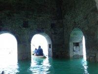 Arcos de la iglesia de Mediano en el embalse