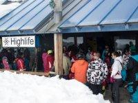 Remontes en la estacion de esqui