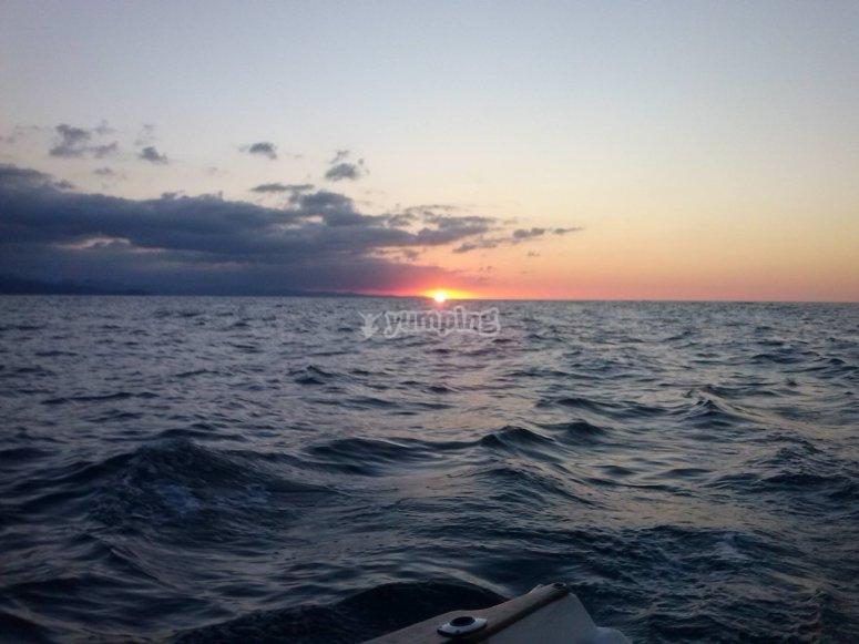 乘浪漫的船在奥里奥乘船