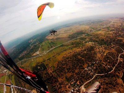1 ora di volo in paramotore da Pedro Bernardo