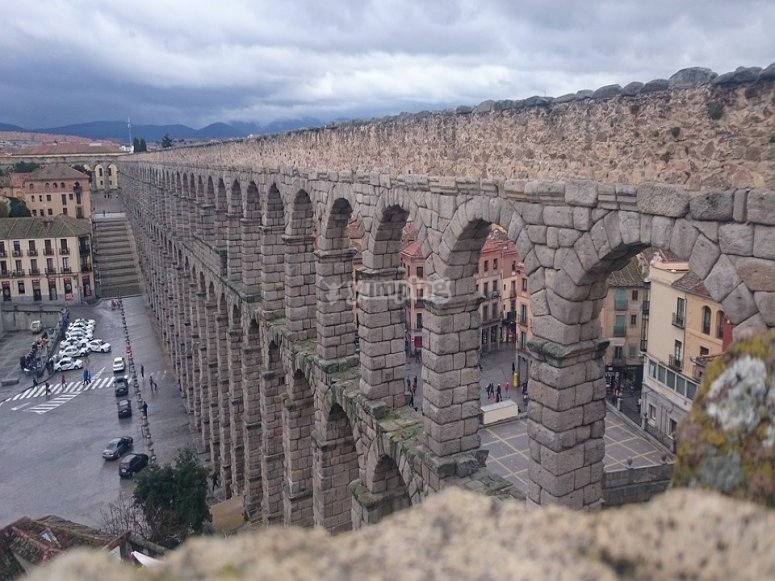 穿越罗马渡槽